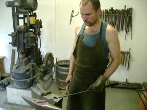 cleaning of forge-surface